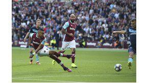 El francés Dimitri Payet anotó un golazo maradoniano para el West Ham ante Middlesbrough por la Premier League