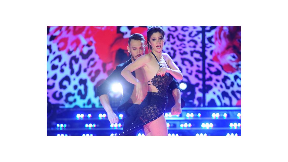 Sensual bachata de Carla Conte en su regreso al Bailando