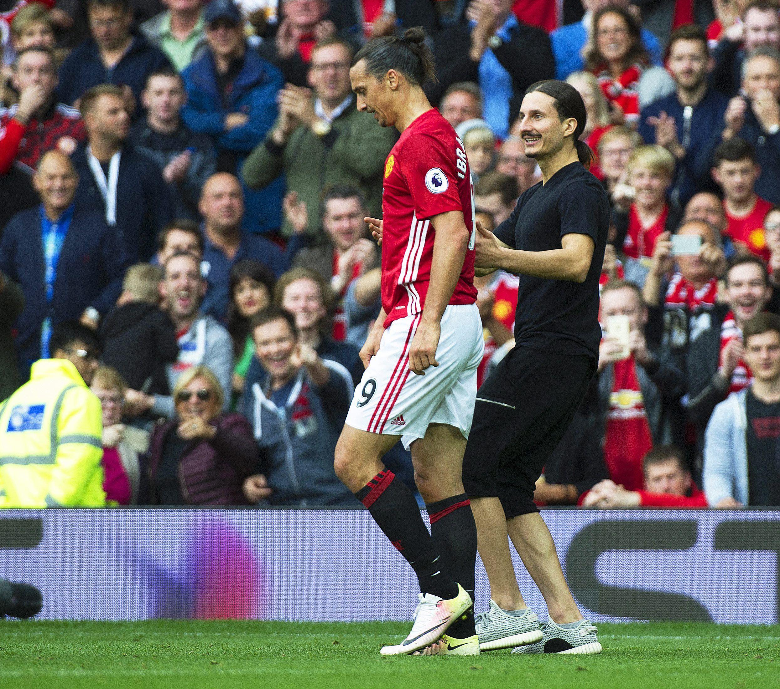 VIDEO: A Zlatan Ibrahimovic le apareció su clon en pleno partido