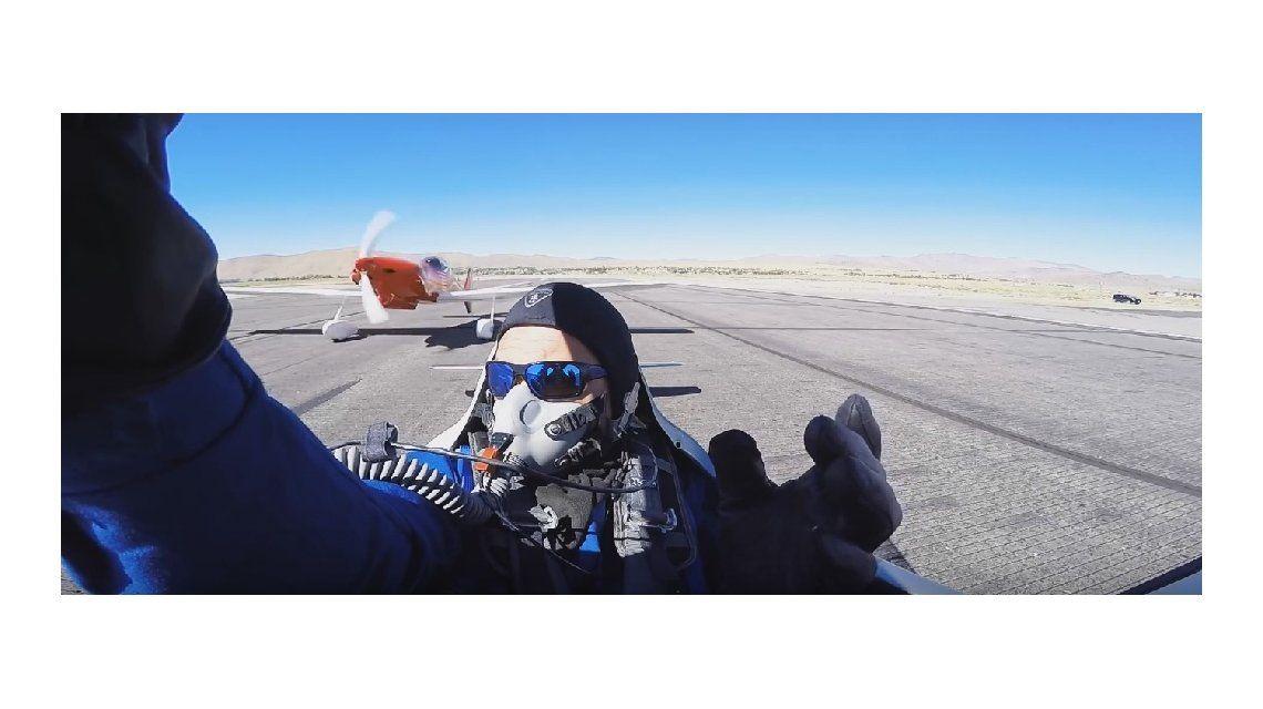 VIDEO: Un piloto casi muere decapitado por el ala de una avioneta