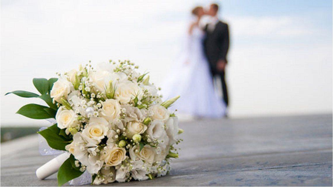 Locura en un casamiento: no le gustó que su hija se casara y atacó la boda con granadas
