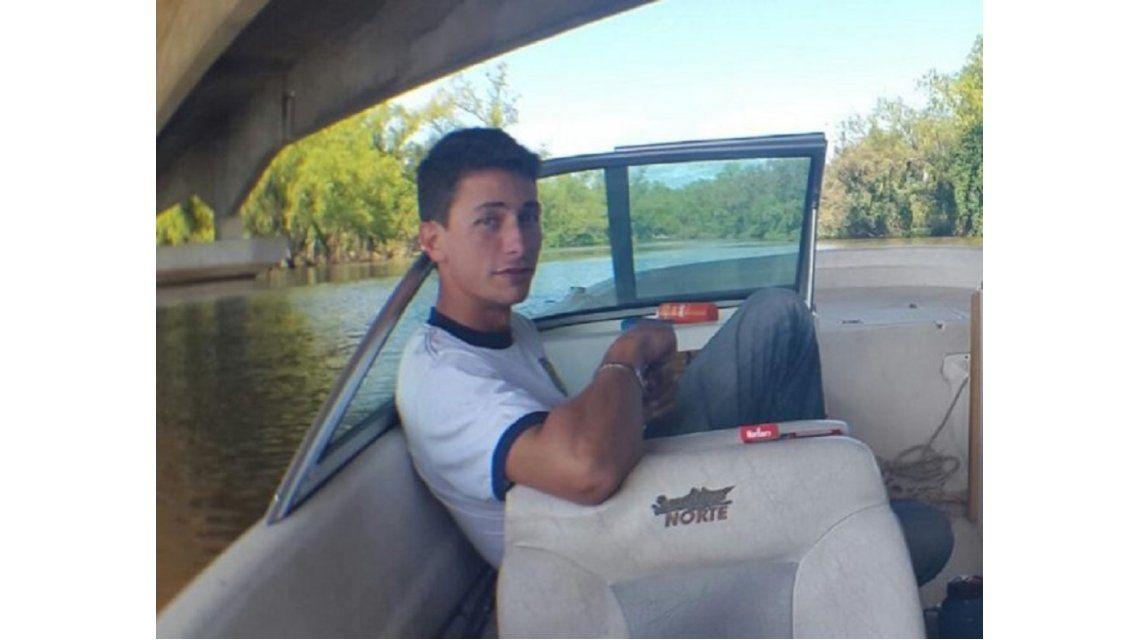 Buscan a un joven que desapareció misteriosamente cuando cruzaba en bote el río Paraná