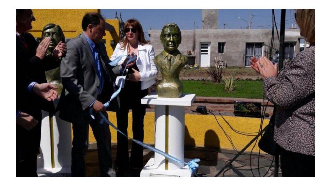Polémica en Córdoba por un monumento en homenaje a Macri