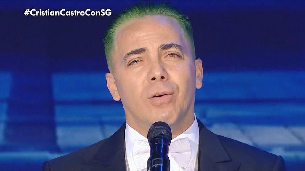 Cristian Castro apareció teñido de verde en lo de Susana Giménez y le robó un beso