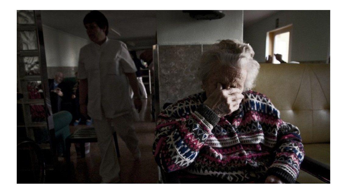 Conmovedora carta de una abuela internada en un geriátrico: ¿Para qué vivir más?