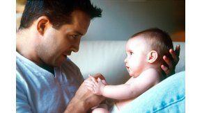 Organismos internacionales recomiendan ampliar las licencias por maternidad y paternidad y también impulsar las licencias familiares