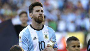 Desde Barcelona, Lionel Messi publicó una foto viendo a la Selección en su cuenta de Instagram