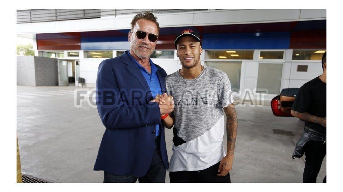 Schwarzenegger con los indestructibles de Barcelona