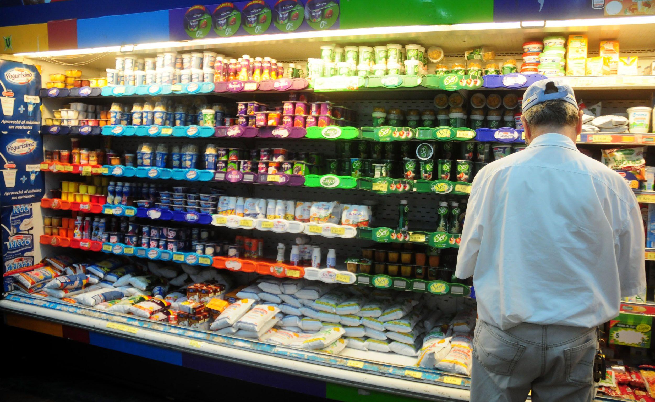 Las ventas en los supermercados siguen cayendo
