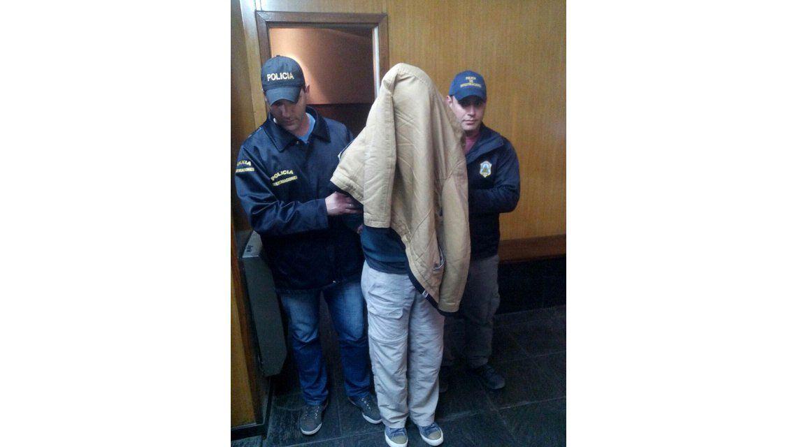 Se entregó uno de los sospechosos del crimen de la mujer hallada carbonizada