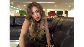 100% cuero: la publicidad con mujer desnuda que indigna a Bolivia