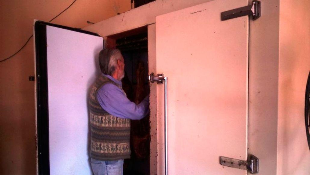 Sorpresa en una carnicería: encontraron en la cámara frigorífica a un ladrón
