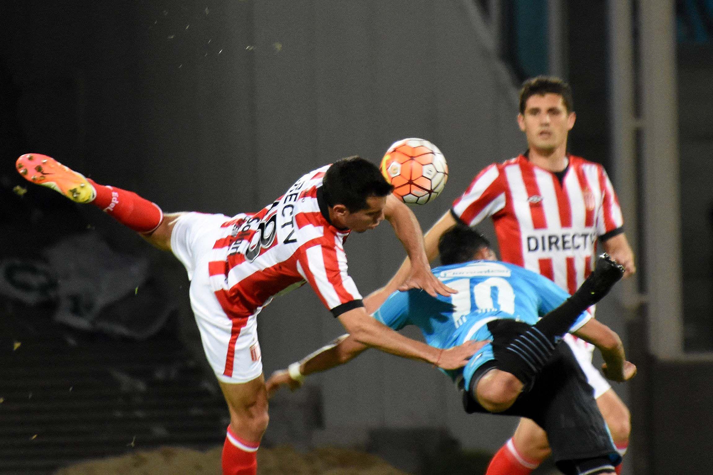 Con dos goles de Bieler, Belgrano le ganó a Estudiantes y avanzó a 8vos