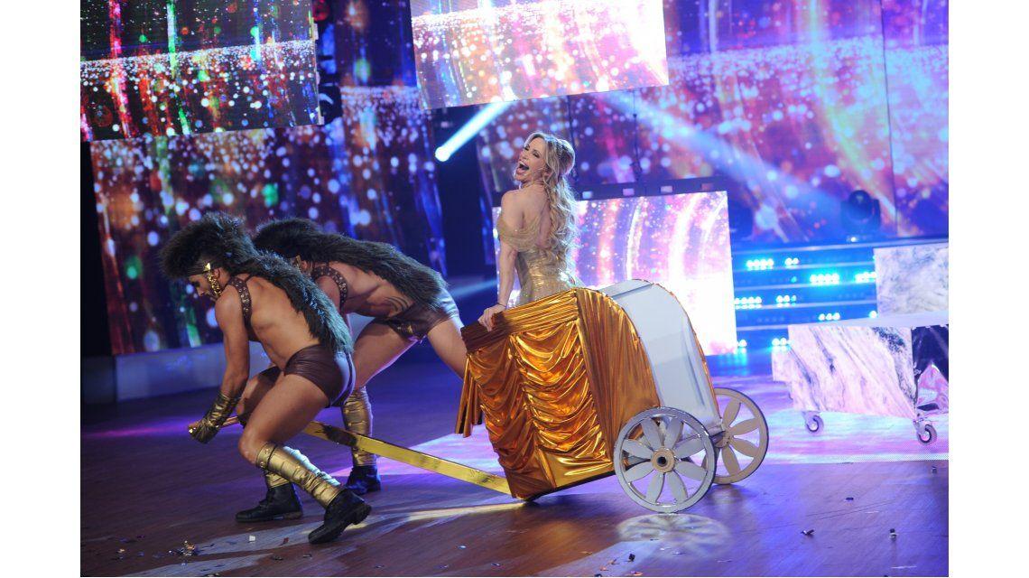 Bizarra coreografía  de la abogada hot: desde un cero de De Brito hasta un 10 de Polino