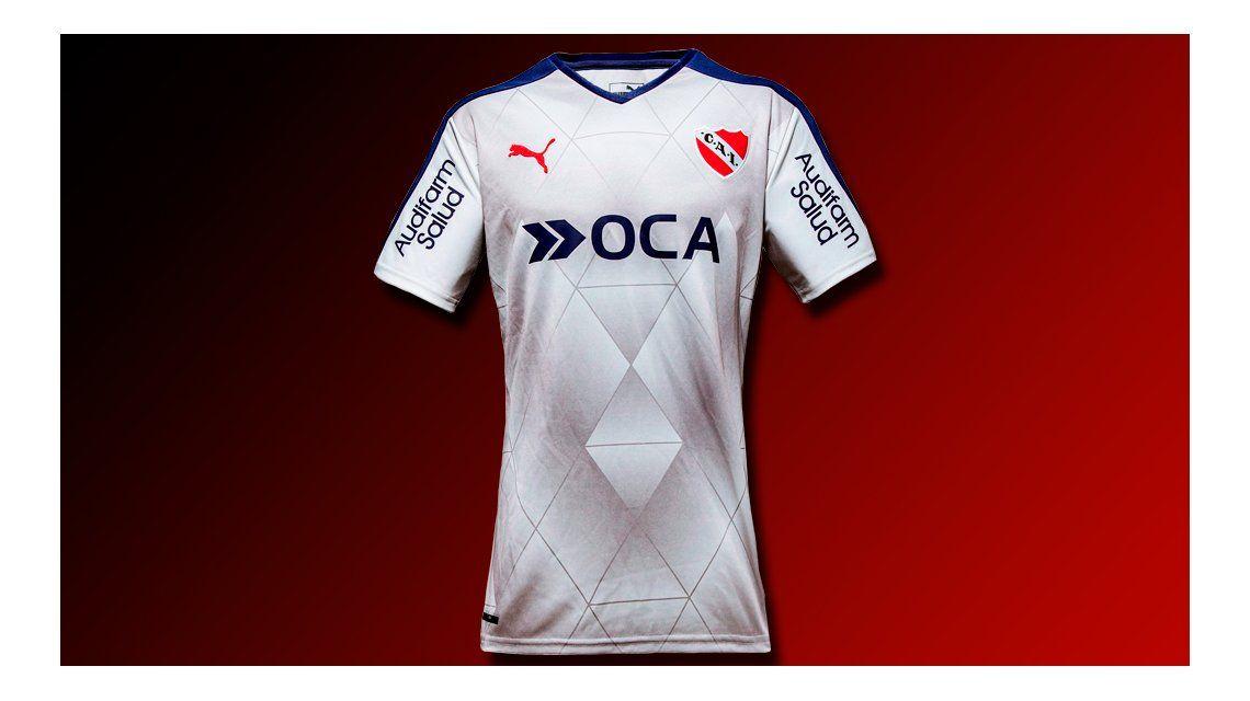 El Rojo, de blanco: así es la nueva camiseta suplente de Independiente