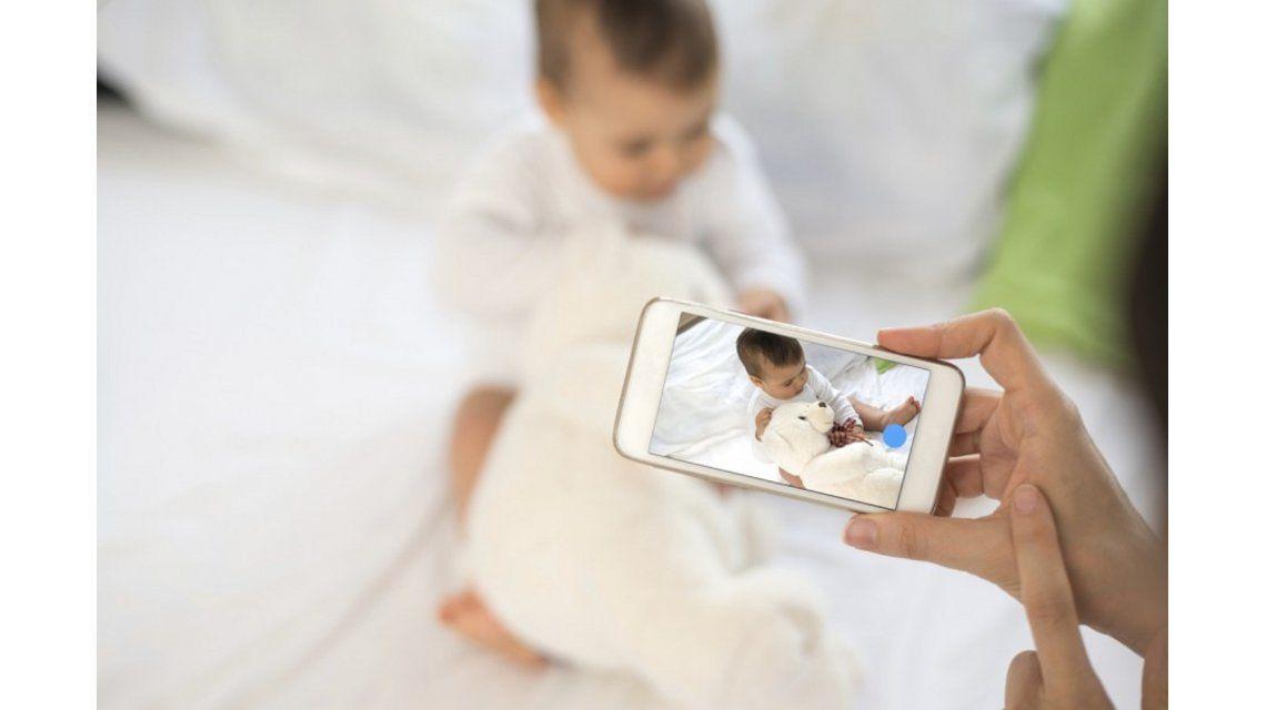 Una chica demandó a sus padres por publicar fotos de su infancia en Facebook