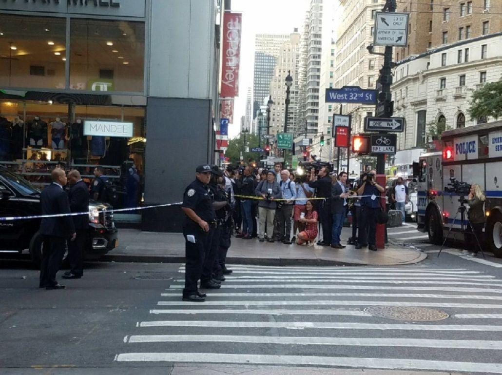 Nueva York: Un hombre habría atacado a un policía con un cuchillo de carnicero