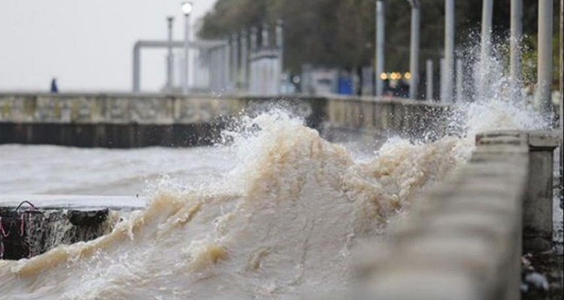 Continúa el alerta por vientos intensos para Ciudad y la Provincia
