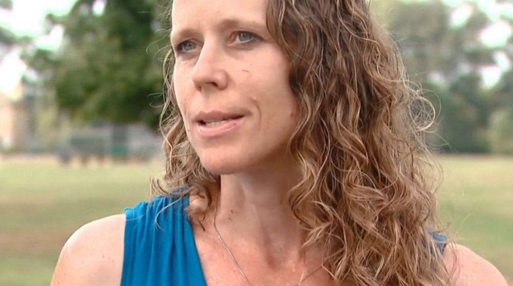Una mujer quedó lesionada tras ser golpeada por un pez que cayó del cielo