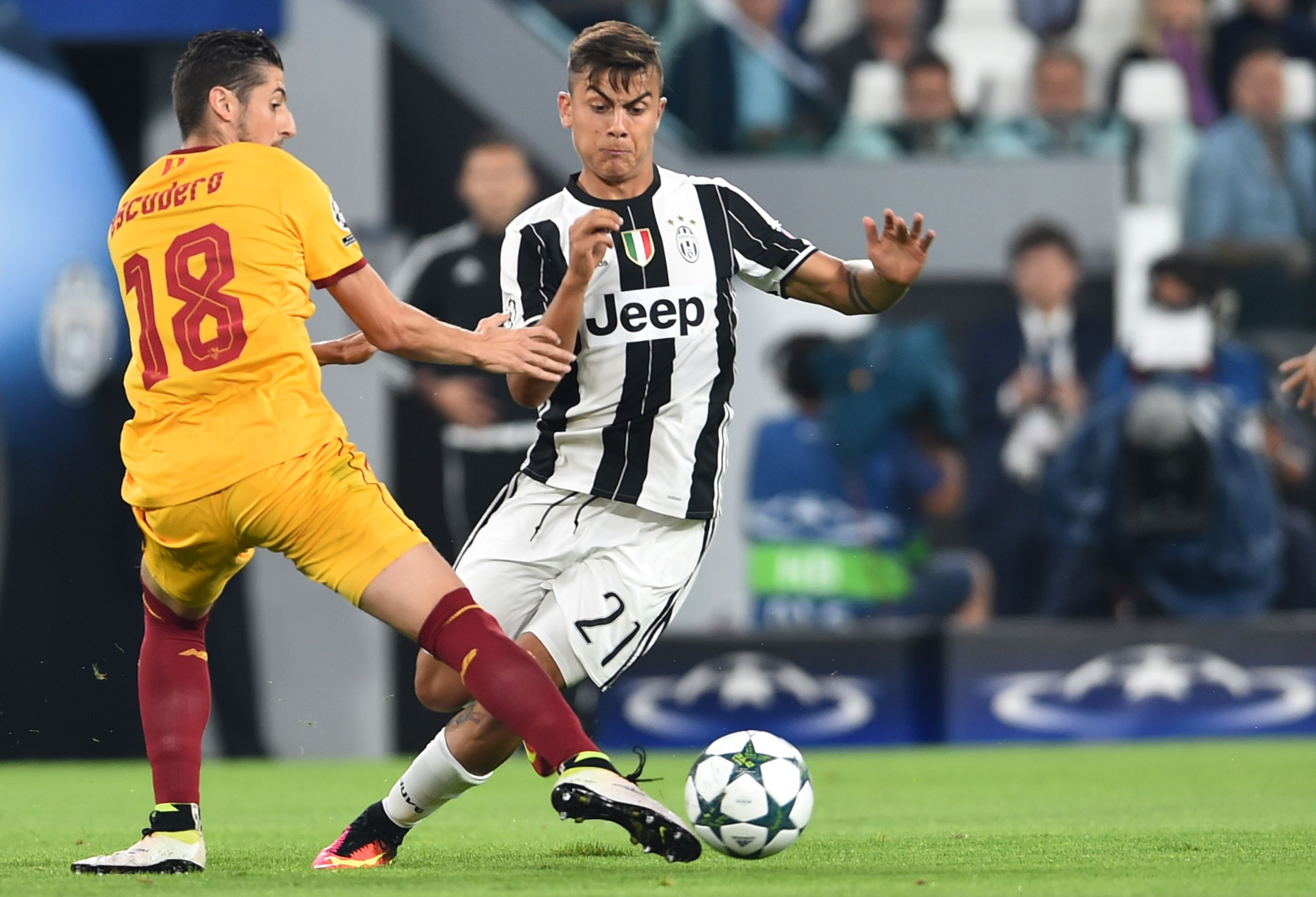 La Juventus de Dybala e Higuaín empató sin goles ante el Sevilla de Sampaoli