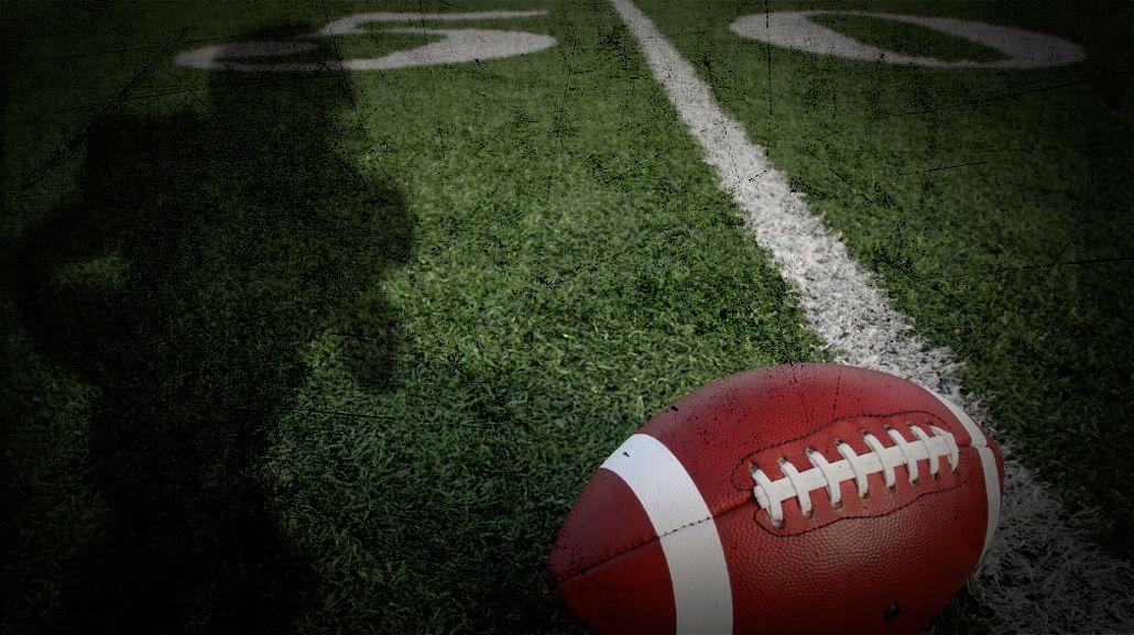 Un jugador de fútbol americano se descompensó en pleno partido y murió