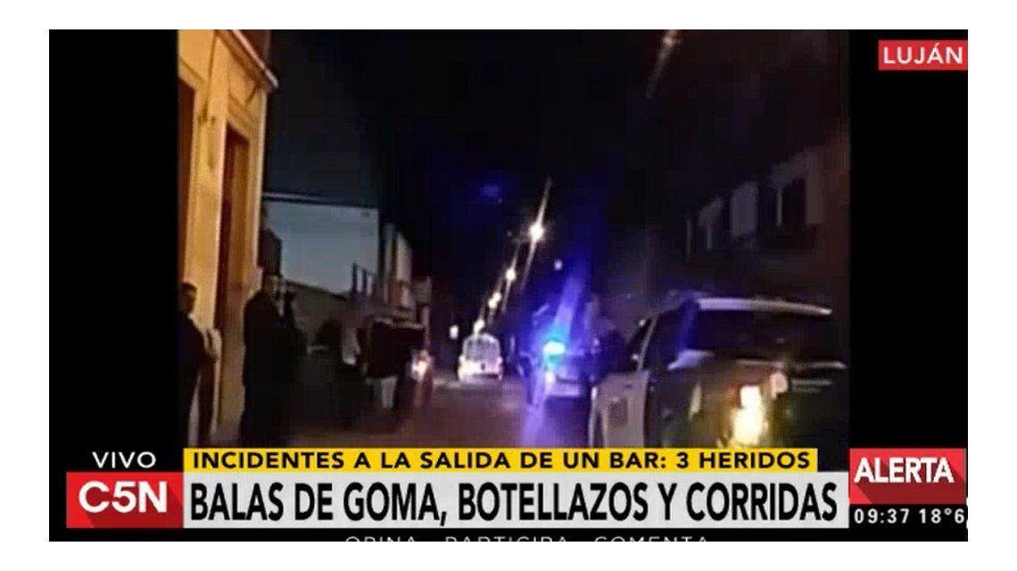 Botellazos, corridas y balas de goma por la inspección de un bar en Luján