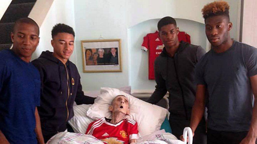 Un fan del Manchester United murió 45 minutos después de conocer a sus ídolos
