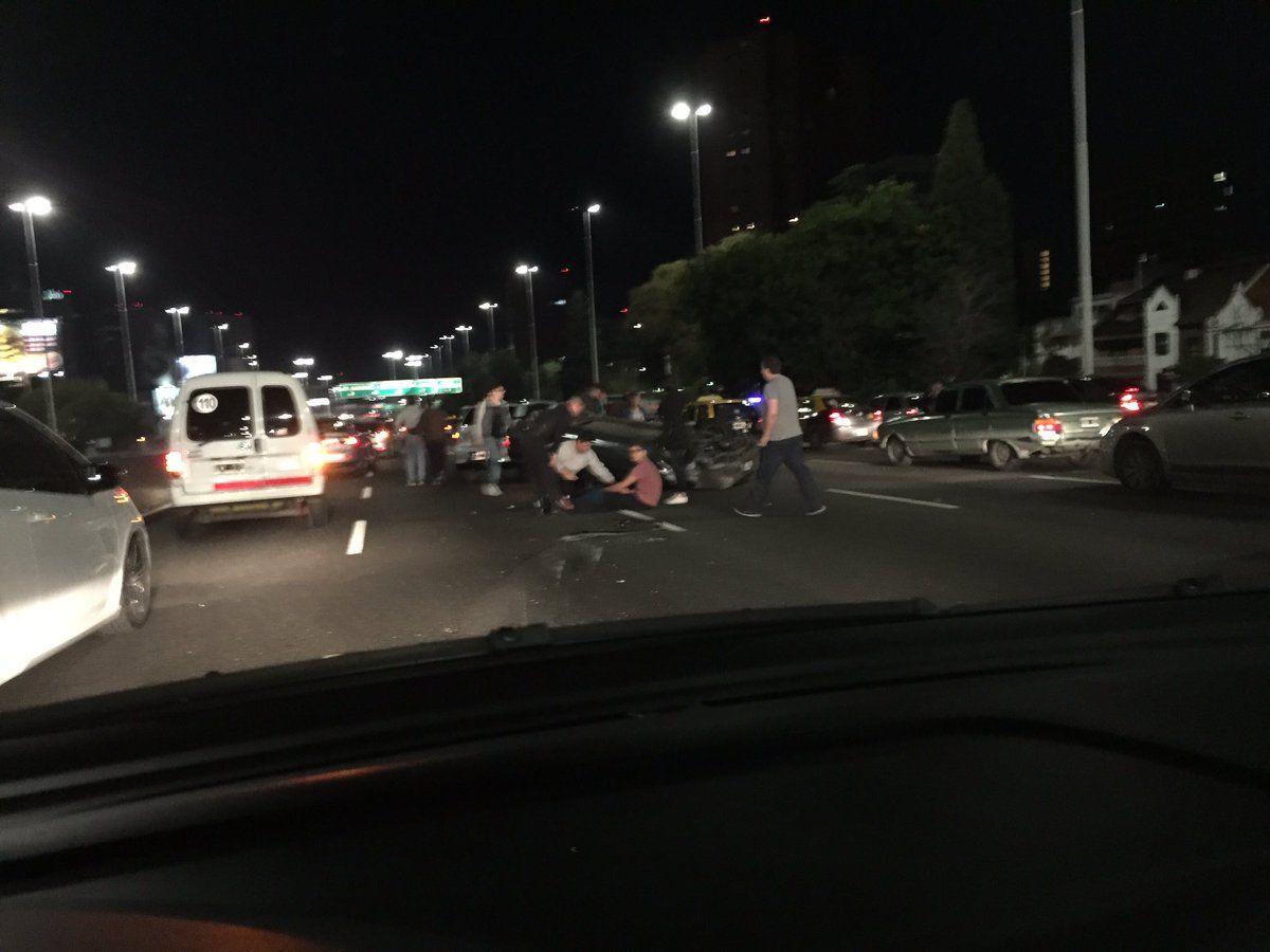 Caos de tránsito por choque en General Paz: dos menores heridos