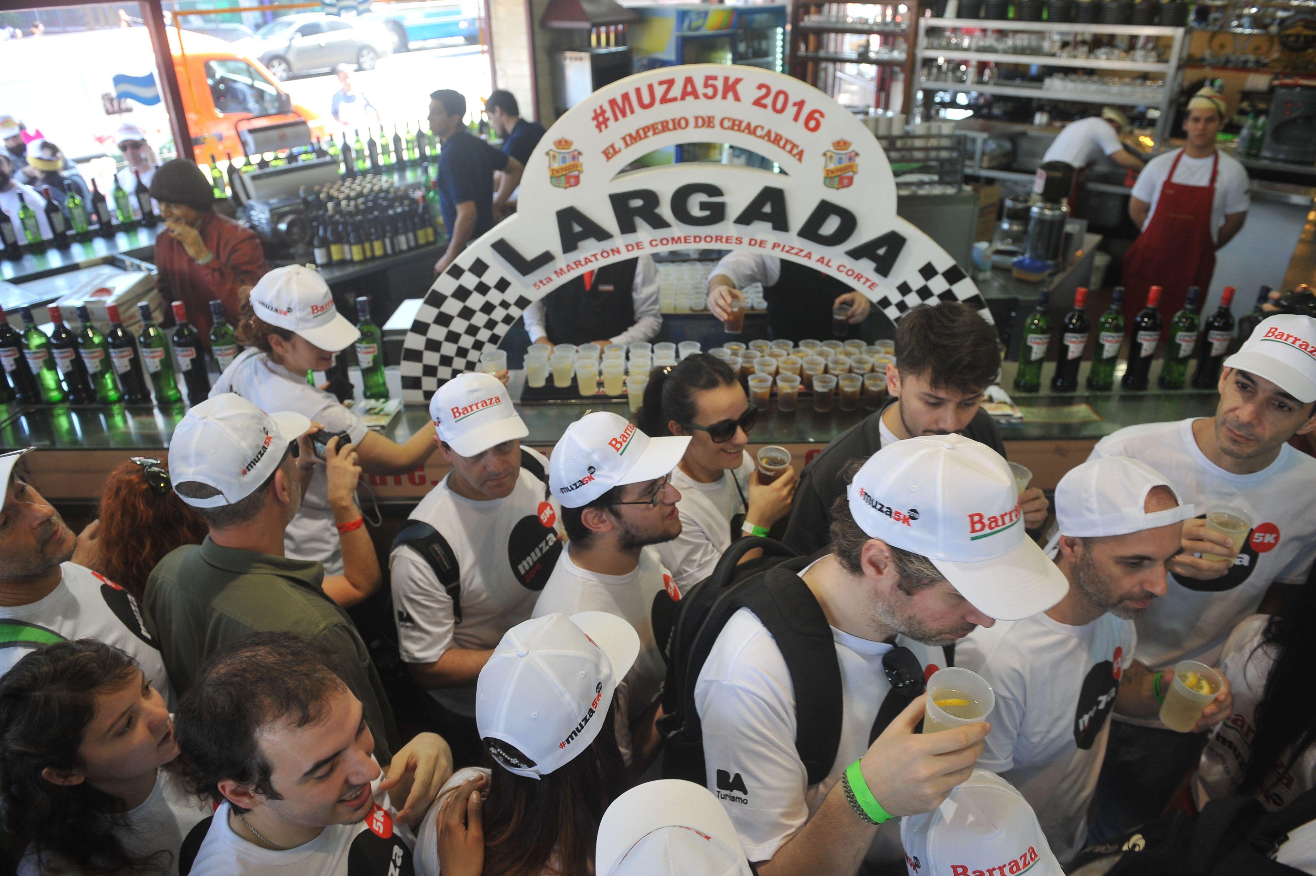 Unas 500 personas participaron de la quinta edición de la Maratón de los fanáticos de la pizza
