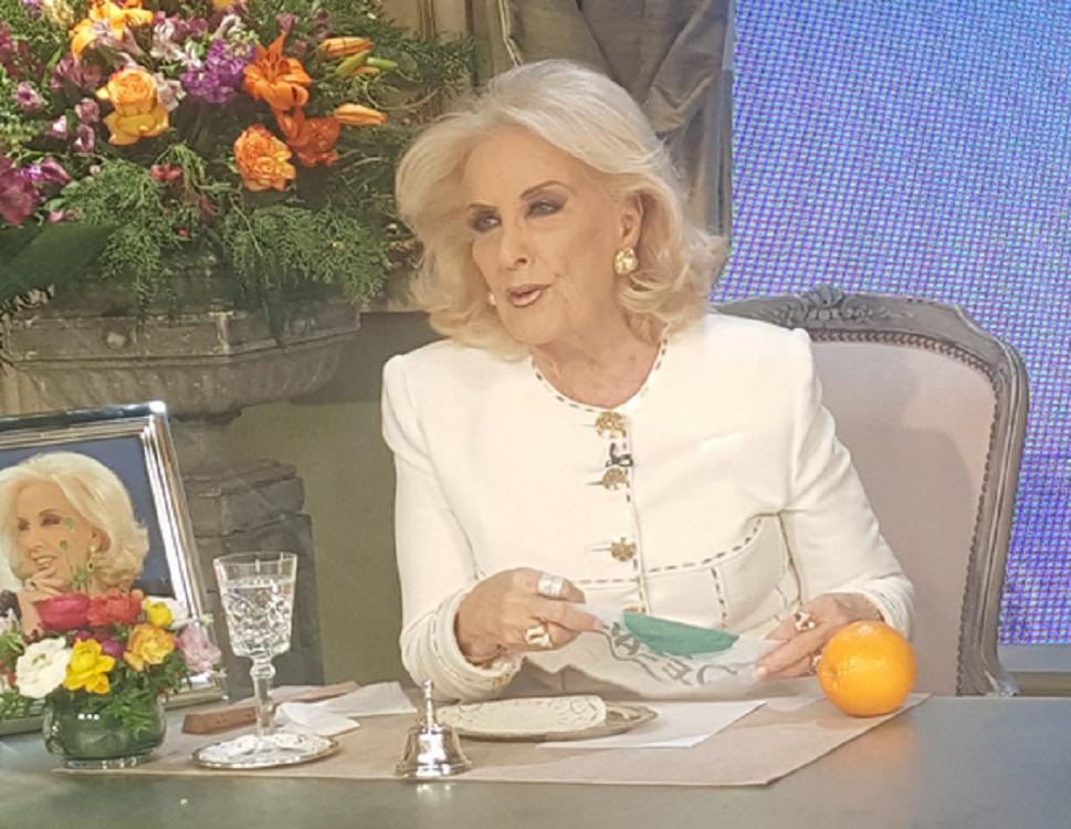 Mirtha Legrand le hizo un reclamo a Amalia Granata: La habíamos invitado pero va a lo de Susana