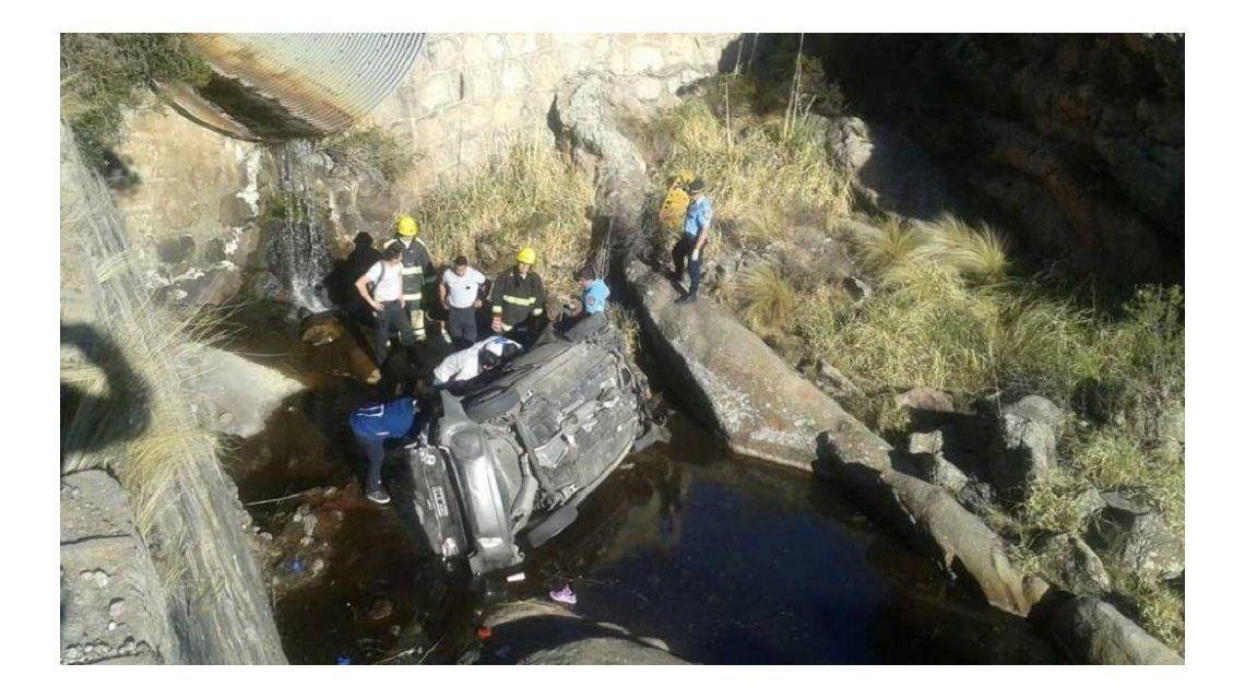 Desbarrancó un auto en el Camino de las Altas Cumbres: cuatro muertos