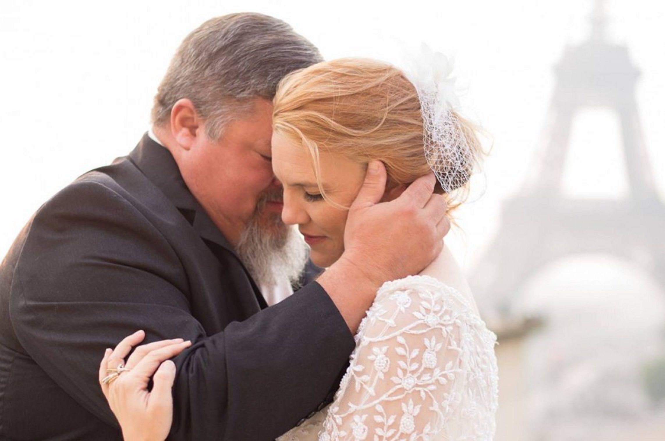 Trágico: acompañó a su hija al altar, bailó el vals y murió