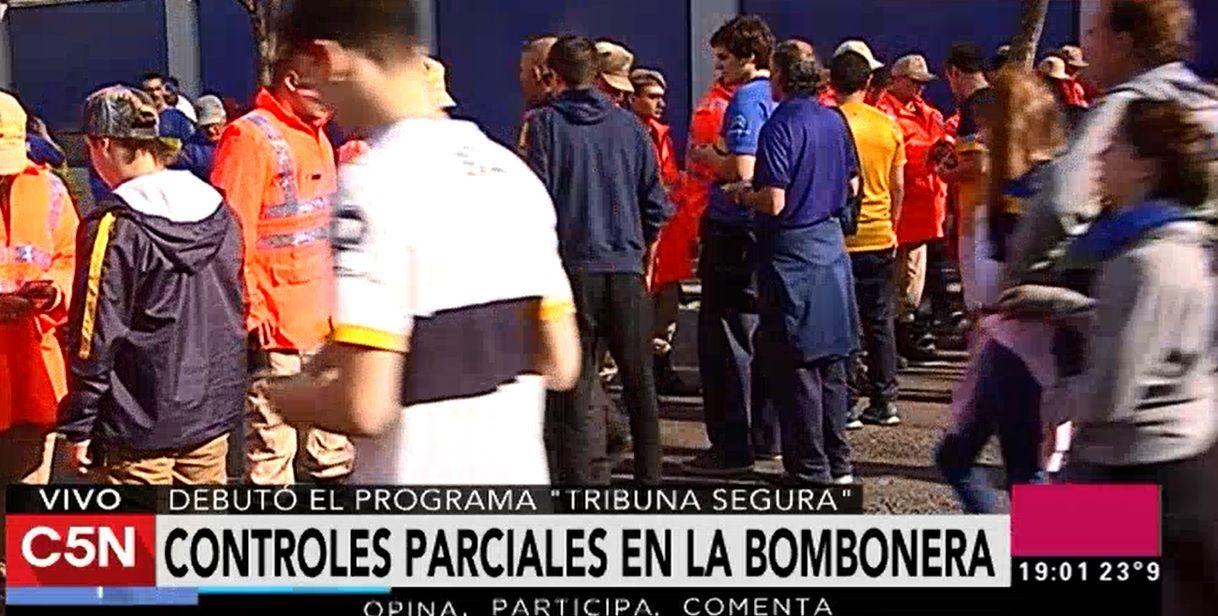 Tribuna segura: el control del DNI tuvo un debut parcial en la Bombonera