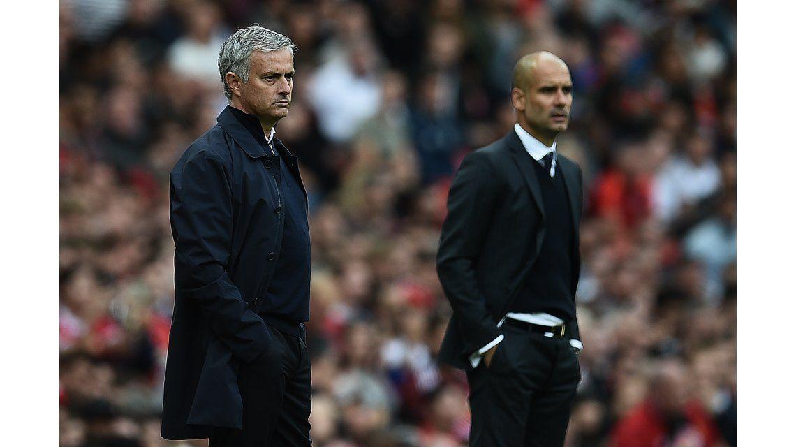 Así fue el saludo entre Mourinho y Guardiola tras el clásico de Manchester