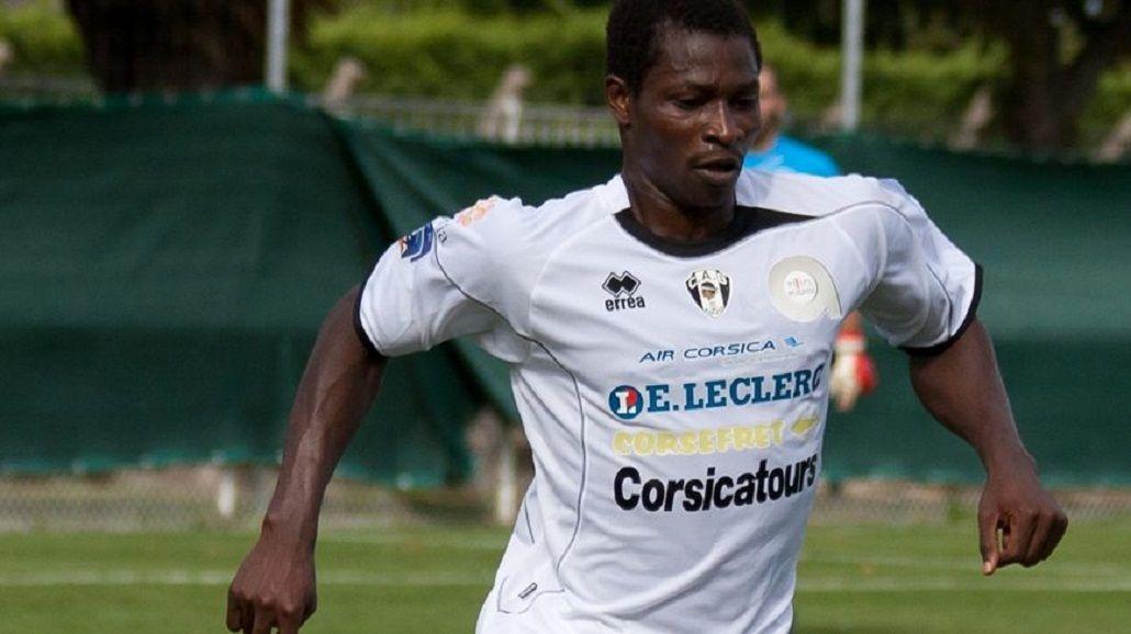 Un futbolista de Burkina Faso murió en pleno partido de la Copa de Francia