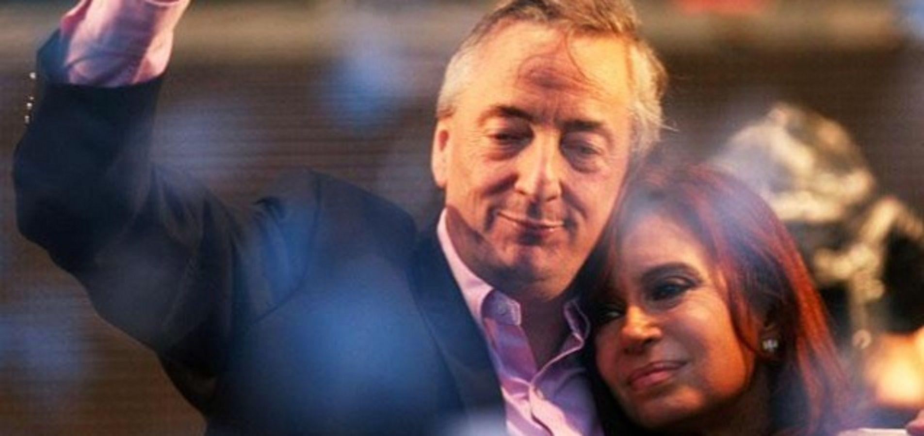 Cristina Kirchner acusó al Gobierno de perseguir a los que ya no están