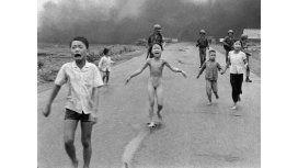 Noruega: Facebook censuró la foto de La niña del napalm