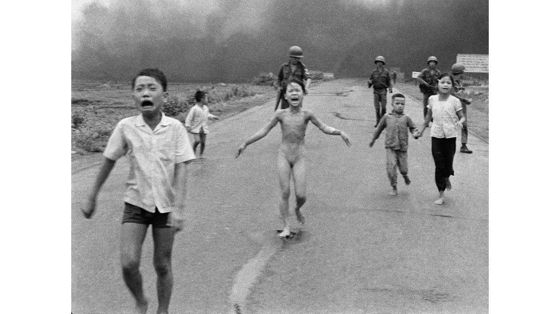 Facebook dio una rara disculpa y dejará subir la foto La niña del napalm