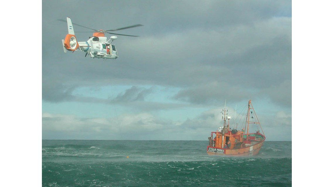 Se incendió un pesquero con 17 ocupantes a la altura de Bahía Blanca