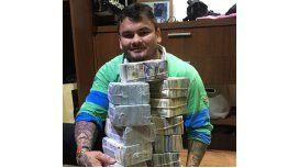 El Chino Maidana se disculpó por su polémica foto rodeado de miles de dólares