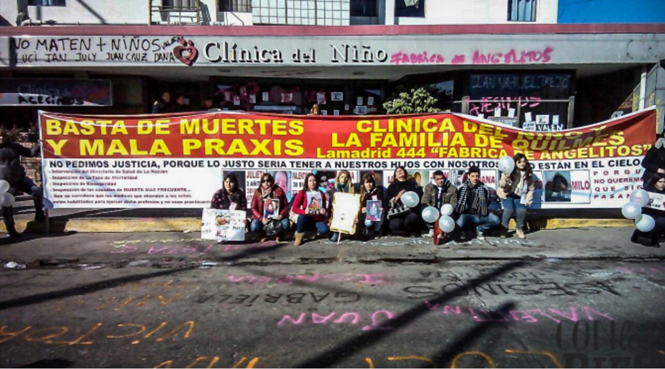 Padres buscan cerrar una clínica de Quilmes, tras la muerte de 20 chicos