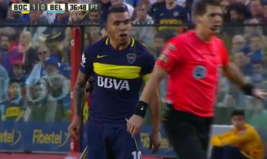 Oficial: por insultar a Delfino, Carlos Tevez fue suspendido por tres fechas