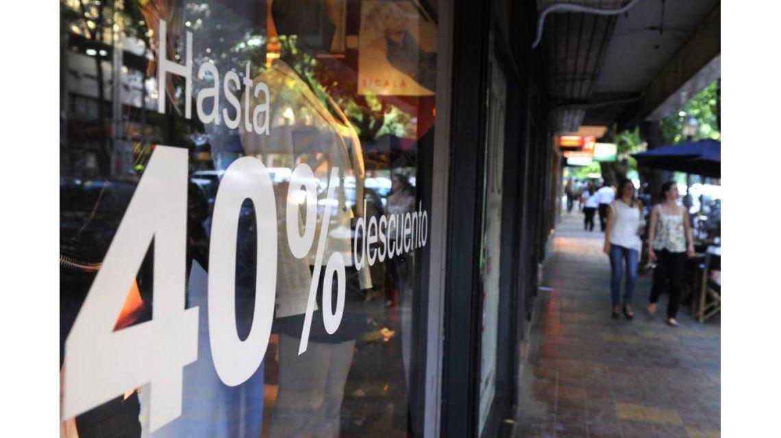 Las ventas no paran de caer: otro 7,4% en agosto