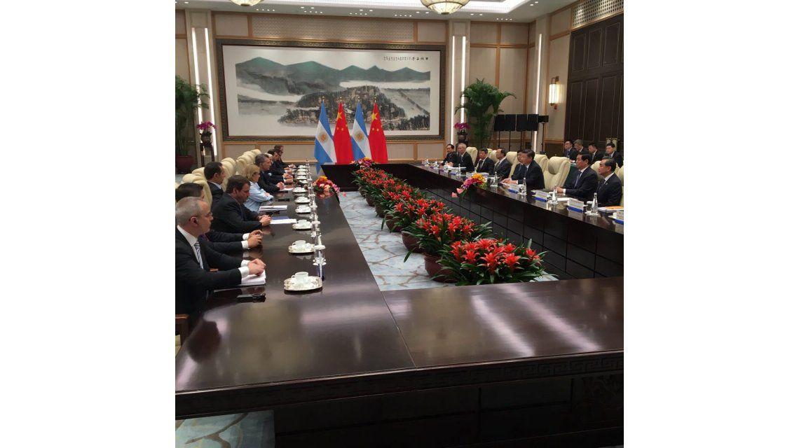 En inicio de su agenda en China, Macri se reunió con Xi Jinping