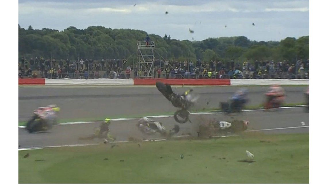 Impactante: el terrible accidente de motos que obligó a interrumpir una carrera