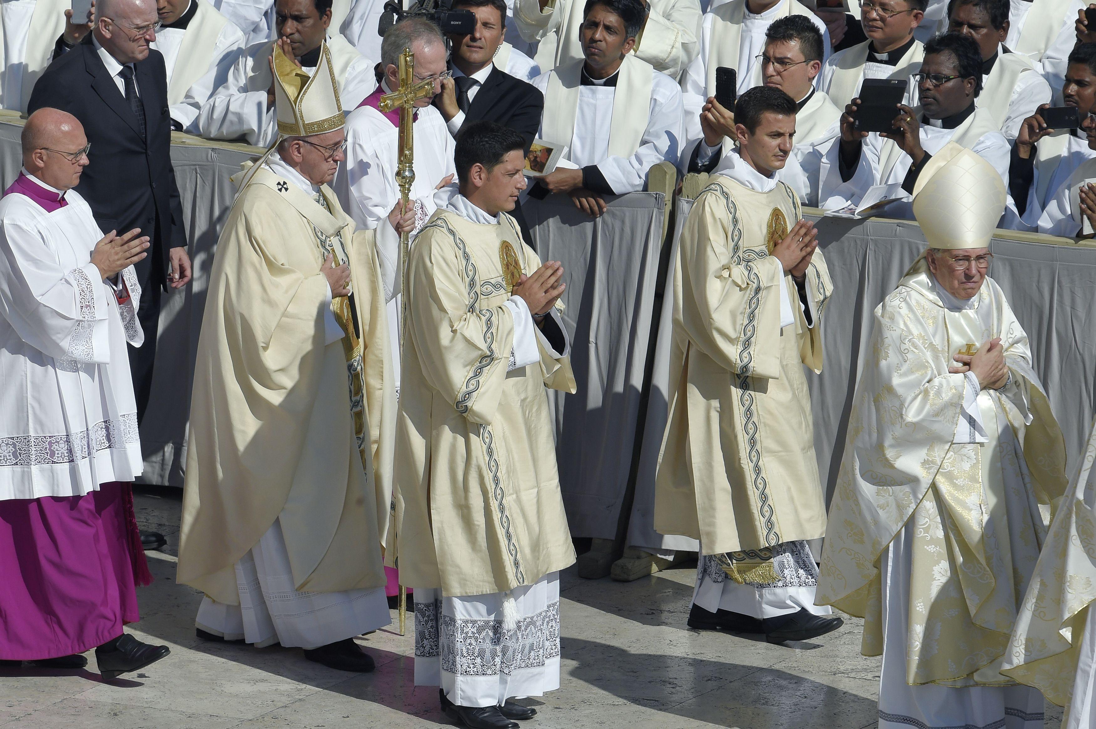 El papa Francisco canonizó a la inolvidable Santa Teresa de Calcuta