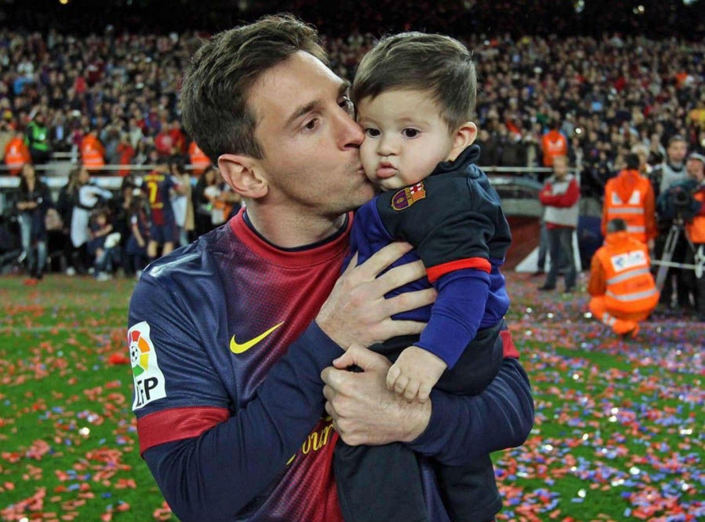 Preocupación en el fútbol mundial: a Thiago, el hijo de Messi, no le gusta jugar a la pelota
