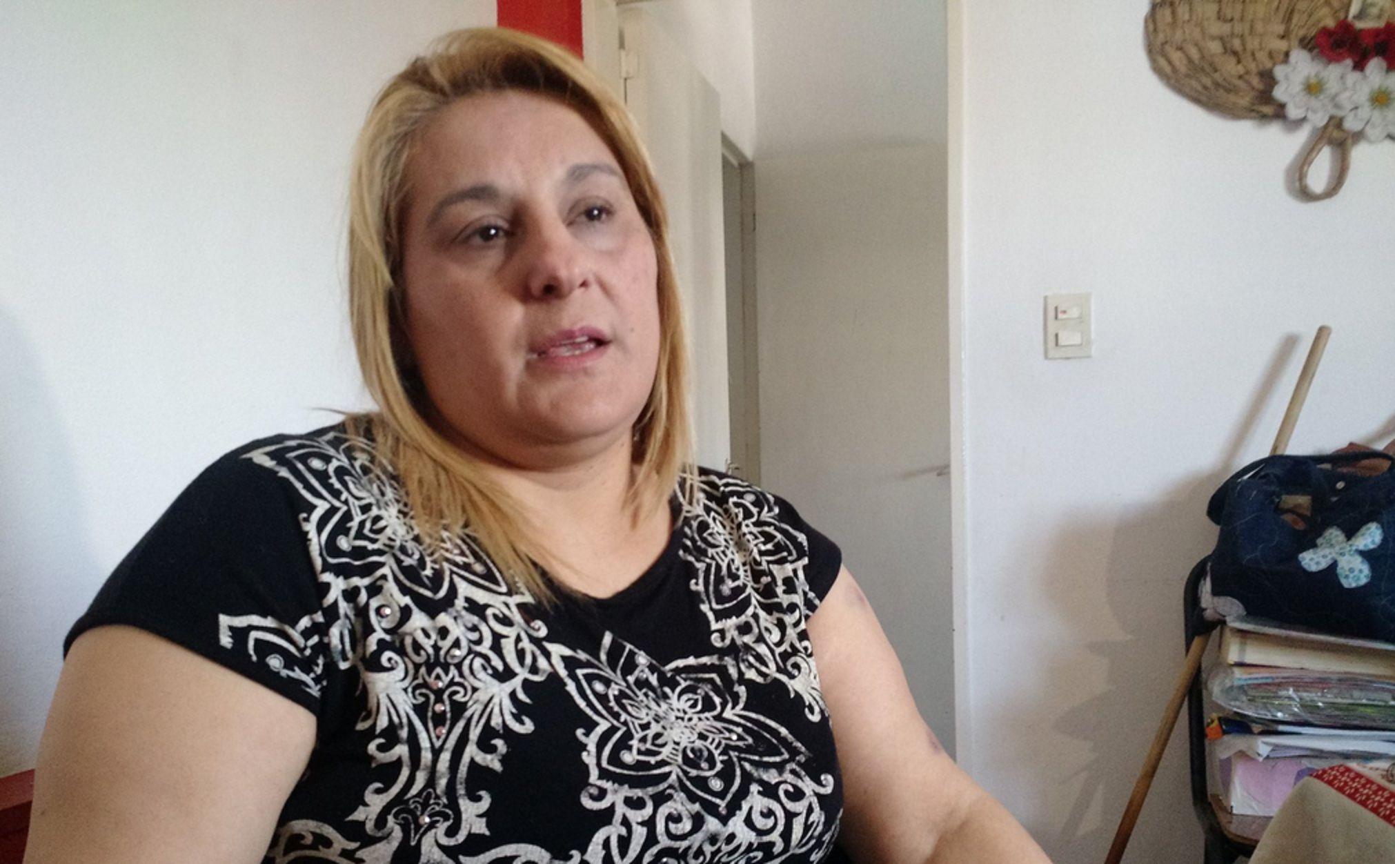 Una maestra terminó inconsciente tras la brutal golpiza de una madre
