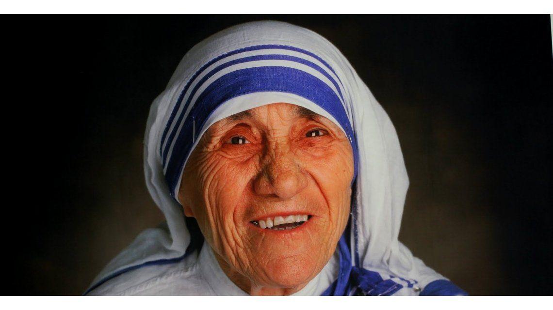 ¿Será verdad? Dice que una foto de la Madre Teresa le curó el cáncer