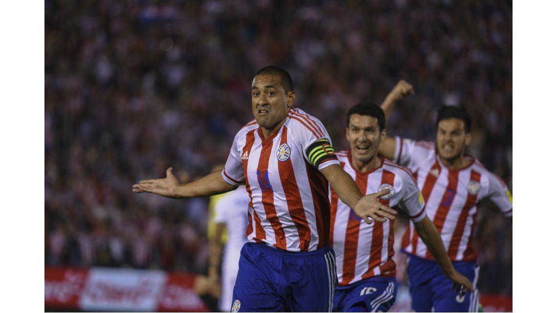 Paraguay vence a Chile en un partidazo en Asunción